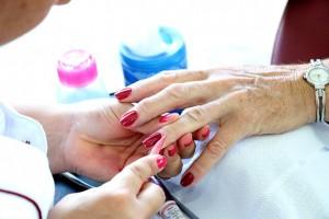 manicure-2296087_640